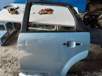 Ford Focus 2.5 Sol Arka Kapı