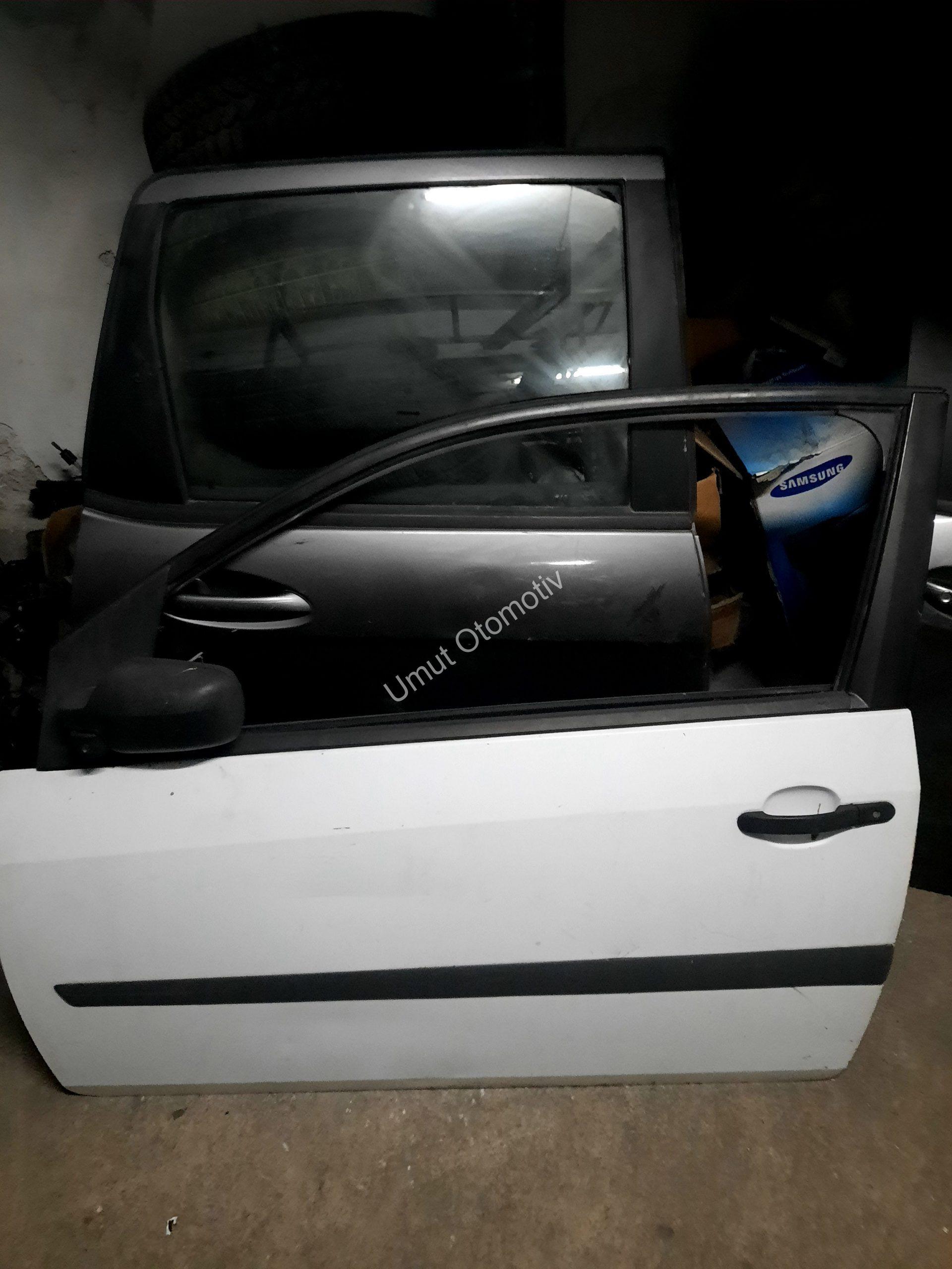 Ford Fiesta Tek Kapı Sol Ön Çıkma Kapı